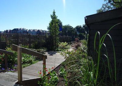 houten trap in tuin